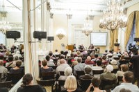 A fény felé címmel teológiai és művészeti szimpóziumot és estet tartottak Budapesten - Videók!