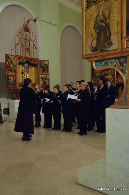 Az Evangélikus Hittudományi Egyetem énekkara vez: Kinczler Zsuzsanna